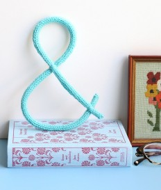 One Sheepish Girl | Knit Ampersand Wall Decoration