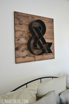 Front Guest Bedroom Makeover - Wood Pallet Art -
