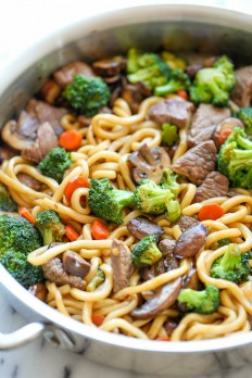 Beef Noodle Stir Fry - Damn Delicious