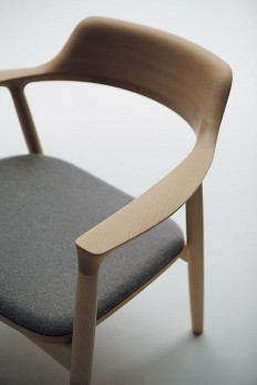 YUKONA — quiet-design: Hiroshima lightwood Chair detail