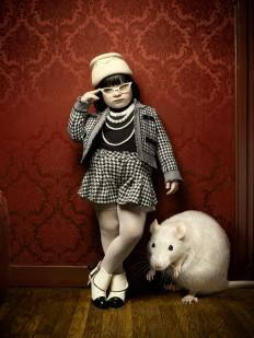 little-girl-and-a-rat-2.jpg (1200×1600)