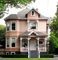thealy50: Tidy Victorian house in Santa Cruz,... - Victorian Houses