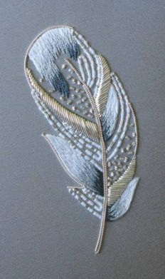 Royal School of needlework Virginia, Courses embroidered feather | broderies | Pinterest