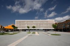 BAAS Jordi Badia — Progrés-Raval Health Center. Badalona — Image 2 of 8 - Divisare by Europaconcorsi