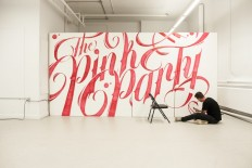 Typographic Mural – The Pink Party on Inspirationde