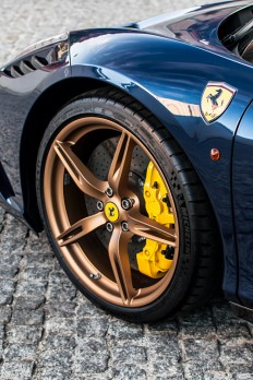 supercars-photography: Ferrari Speciale Sp on Inspirationde