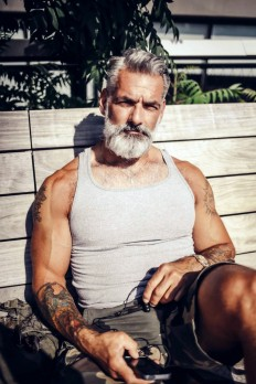 Buff, bearded, and tattooed. on Inspirationde