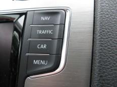 perfectie: lijnenspel, functionaliteit, afwerking...console van VW Golf 2014 | INSPIRATION | Pinterest