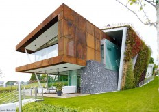 Eco friendly house design - Villa Jewel Box with an multifaceted garden outer shell
