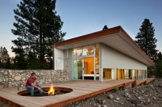 Sustainable Hill House - a big presence in a big landscape