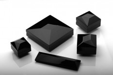 Unión Suiza Packaging Pack collection for jewelry store Unión Suiza. Inspired by natural crystals. Made in lacquered wood. Martín Azúa 2011 | Pinterest | Pack…