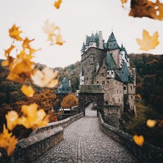 melodyandviolence: Burg Eltz by Hannes... - BattMobile