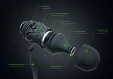 S8 Stellar - Earbuds on