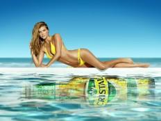 nina-agdal-cerveza-cristal-ads-2014-04.jpg (JPEG-Grafik, 2476×1856 Pixel) - Skaliert (69%)