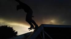 "Yves-Marie na Instagramie: ""•Skating shadow• #skate #skating #skateboard #shadow #light #sunlight #cloud"""