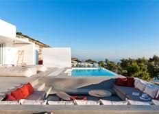 Holiday Home on the Santorini Island by Kapsimalis Architects - InteriorZine