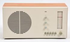 Google-Ergebnis für http://vintage-antiqueradio.com/wp-content/uploads/2012/12/BRAUN-RT20-Tube-radio-Dieter-RAMS-1961-2.jpg