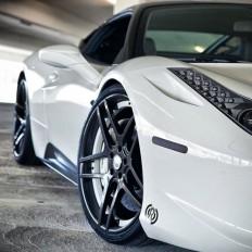 Stunning Ferrari 458 Italia on Inspirationde