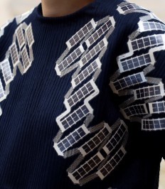 Solar Shirt: The mesh that recharges your smartphone