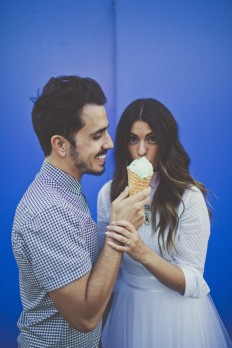 25 Non-Cheesy Poses for your Engagement Shoot