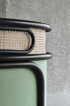 Details we like / Chair / Green / mesh / Wood / Frame / Tubes / ta INSPIRED-CITY | Details we like | Pinterest