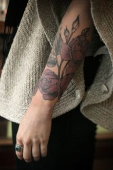 Inner arm rose tattoo I love just plain, linear tattoos with no colour, this is gorgeous | Tattoo | Pinterest