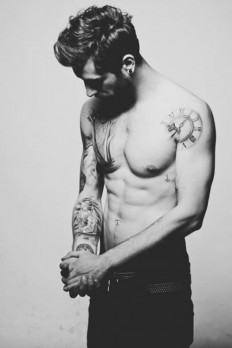 Tattooed Hotties on Inspirationde