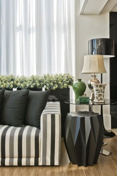 Ar clássico para receber com elegância - Casa Vogue | Apartamentos