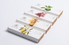 The 7th Store Pineapple Pie — The Dieline - Branding & Packaging