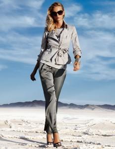 Weite Damen Satinhose in konischer Form in der Farbe grau - im MADELEINE Mode Onlineshop