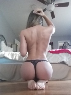 Congrats on making it to Hump Day, here is your reward (45 Photos) : theCHIVE