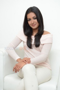 Actress Catherine Tresa Photo Gallery - Actress Catherine Tresa Interview Stills 14 - Catherine Tresa Photos
