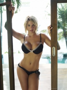 Gemma Atkinson Photo Gallery - Hot Gemma Atkinson Sexy Cleavage Photos 04