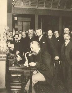 Alexander Graham Bell Kimdir? - 1 Milyar Bilgi