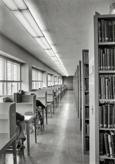Shorpy Historic Picture Archive :: Carrel of the Belles: 1953 high-resolution photo