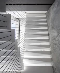 J House by Pitsou Kedem Architects - InteriorZine