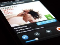 'Radio Player' for iPhone by Kevin Anderson... - UltraUI | UI Design & Inspiration