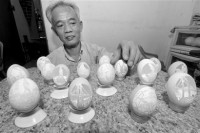 Egg shell carving, XM sculptor Su Zaishun's unique sculpture skill - What's On Xiamen