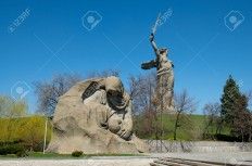 27820258-The-monument-of-Grieving-Mother-in-Mamayev-Kurgan-memorial-complex-in-Volgograd-former-Stalingrad-Ru-Stock-Photo.jpg (1300×860)