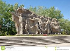 world-war-ii-memorial-obelisk-mamayev-kurgan-4219617.jpg (1300×960)