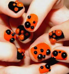 30 Best Happy Halloween Nail Art Design Ideas | EntertainmentMesh