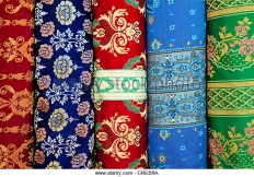 fabrics-with-traditional-moroccan-pattern-essaouria-morocco-africa-creb8a.jpg (640×446)