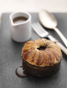Tom Kerridge's date and toffee puddings with caramelised bananas - Sainsbury's Magazine