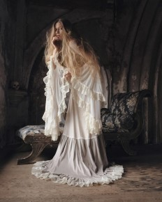 Melancholic and Fine Art Portrait Photography by Nona Limmen