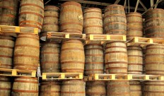 whisky_casks_3-715530.jpg (1600×938)