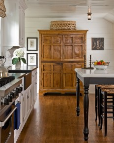 Country Classic - Traditional - Kitchen - Boston - by The Cabinetry