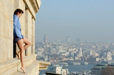 taken-2-03-ill-go-out-on-a-ledge-and-say-shes-hot.jpg (2048×1361)