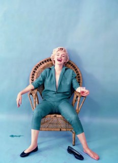 Marilyn Monroe – Single Edition – Wicker Sitting on Inspirationde
