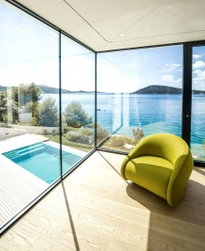Residential Villa with Sea View by Ecoing - InteriorZine