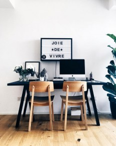 Monochrome Home office on Inspirationde